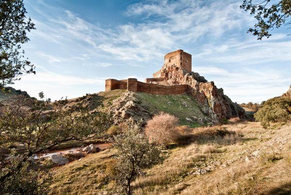 Montizón Castle (Villamanrique)