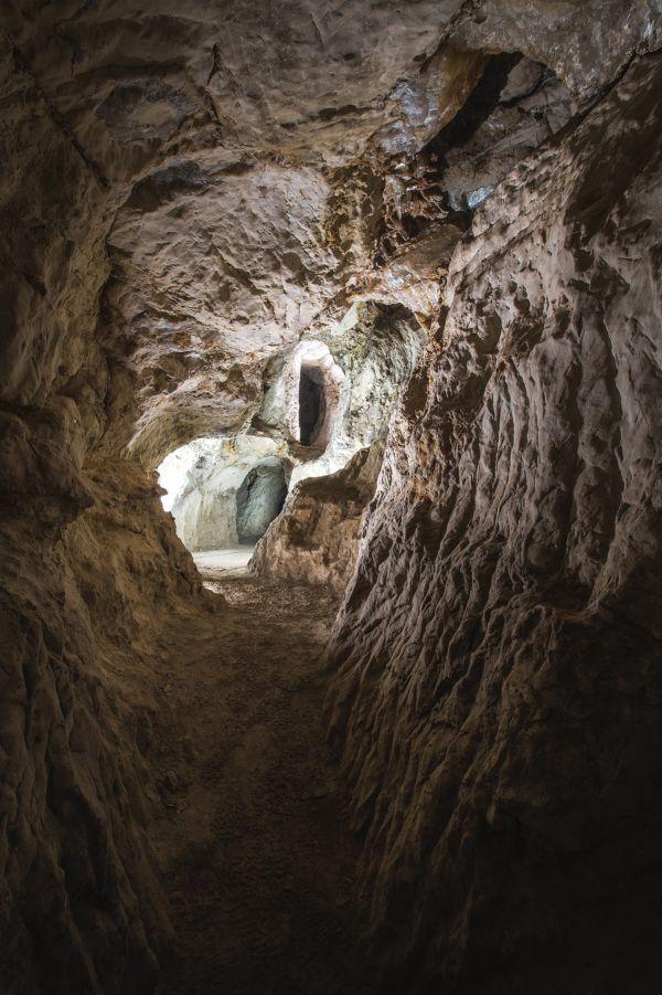 Sanabrio Caves, Saceda del Río (Huete)